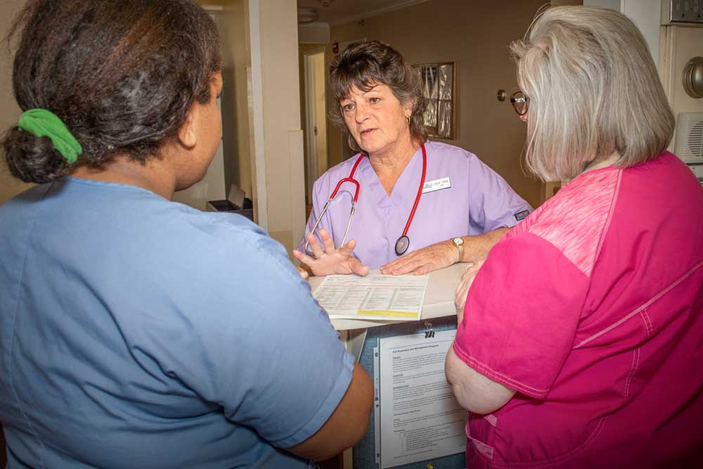 Nurses Discuss a Patient
